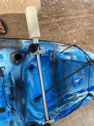 Soporte y motor kayak