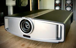 Proyector JVC DLA-HD10K + Electrónica D-ILA