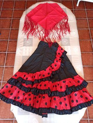 Falda flamenca y pañuelo