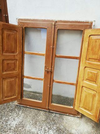 Venta de tres ventanas de madera.