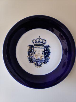 Plato grande Sargadelos. Escudo de Pontevedra