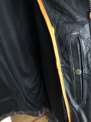 Cazadora de cuero negra vintage
