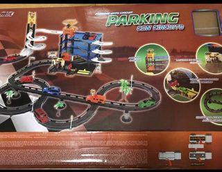 Parking con circuito juguete