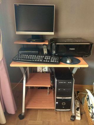 Mesa escritorio + PC completo