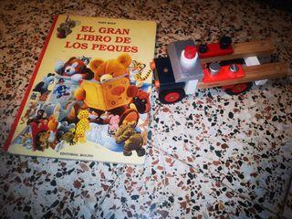 Libro gigante infantil y camion de madera