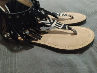 Sandalias Mustang de flecos