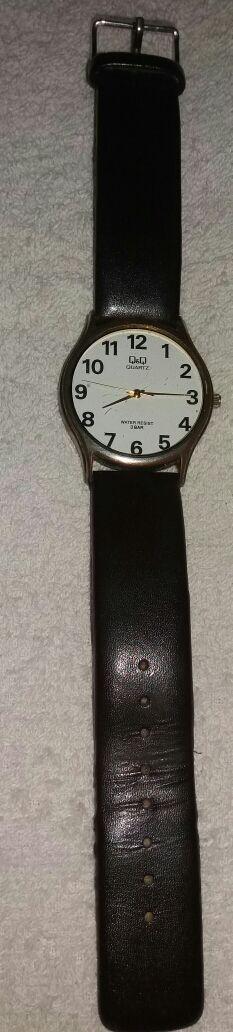 Reloj Q&Q quartz water resist 3 bar