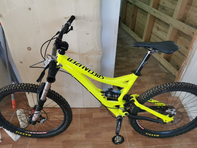 Specialized mtb enduro.