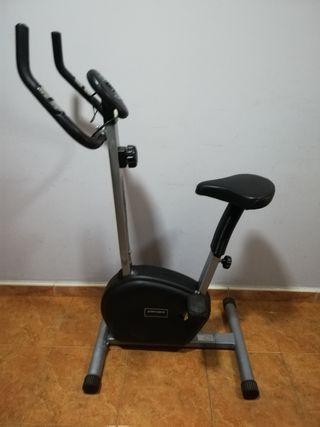 bicicleta estática Conor fitness