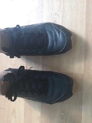 chaussures noir et marron