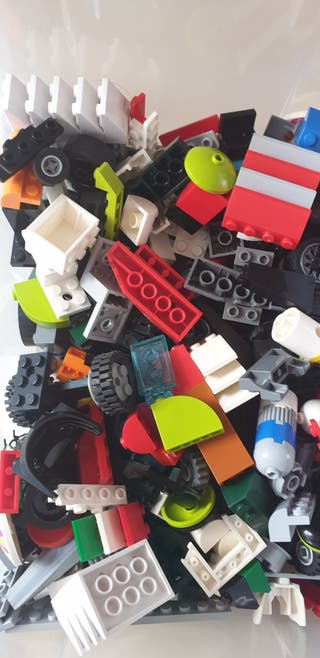 Más de 4 kilos de piezas de lego