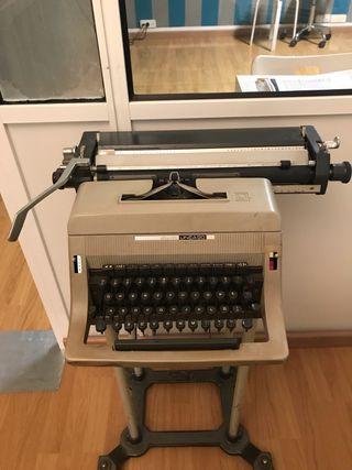 Máquina de escribir Olivetti linea 90
