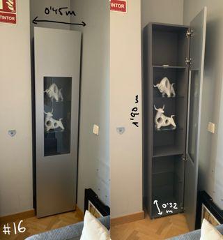 Estantería con puerta / vitrina gris