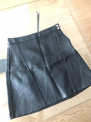 Falda de piel Zara talla XS