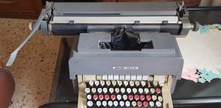 Máquina de escribir Olivetti 98 coleccion