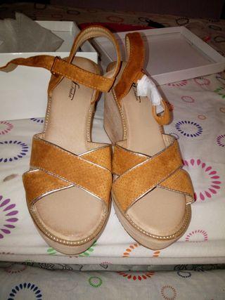 zapatos color Camel nuevos