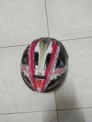 casco con luces led