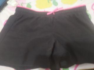 pantalon corto de decathlon de deporte