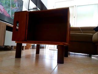 Mesa de centro de salón artesanal