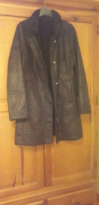 chaquetón negro