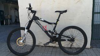 Bicicleta enduro Rocky Mountain Slayer