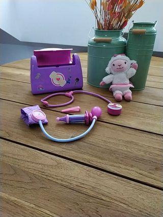 maletín doctora juguetes y lanitas