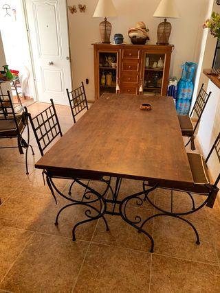 Mesa y 4 sillas salón o terraza