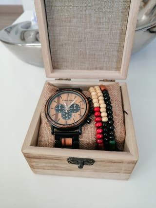 Reloj de pulsera de madera de segunda mano en WALLAPOP