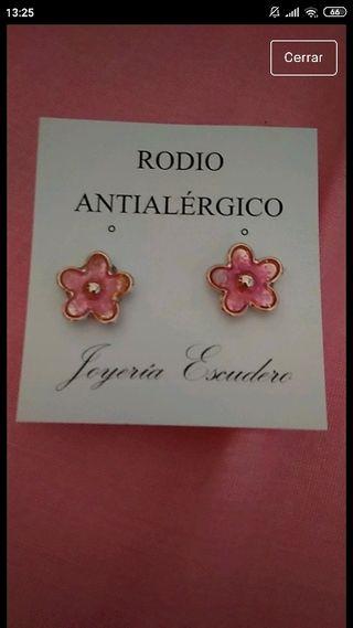pendientes flores rosas