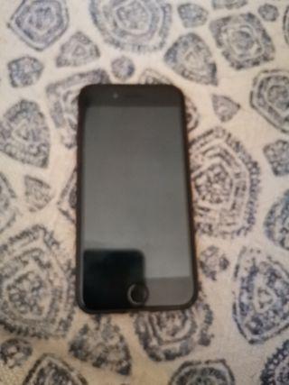 iPhone 7 32 gb con fundas