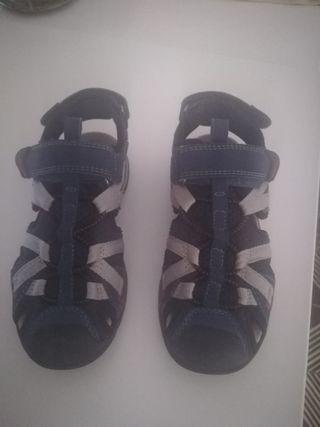 Zapatillas niño Geox.