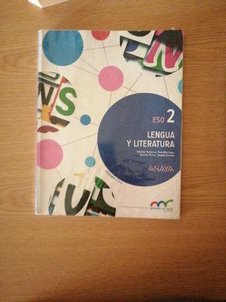 Libros de primero y segundo de la ESO.