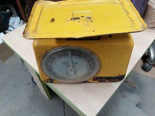 antigua bascula de cocina sfube de 10 kg