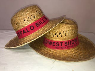 Dos sombreros de paja