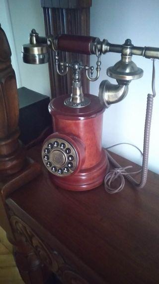 Telefono tipo antiguo
