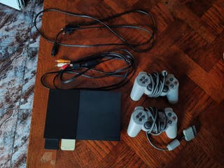 Playstation 2 con 2 mandos
