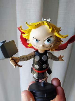 Estatua limitada resina Thor 12cm Gentle Giant