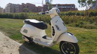 se vende Piaggio Vespa gts 125