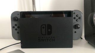 Consola Nintendo Switch, juegos, mando y funda