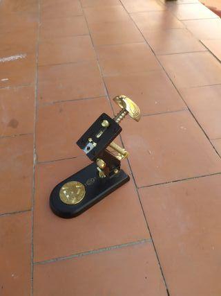 Grapadora el Casco M1,chapada en oro