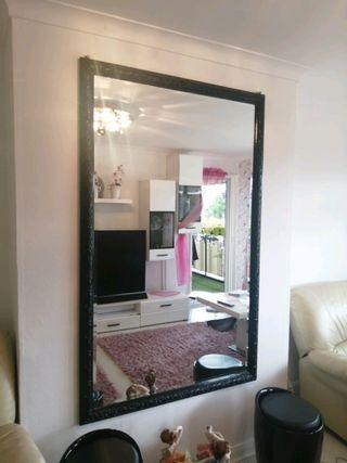 Nice black mirror