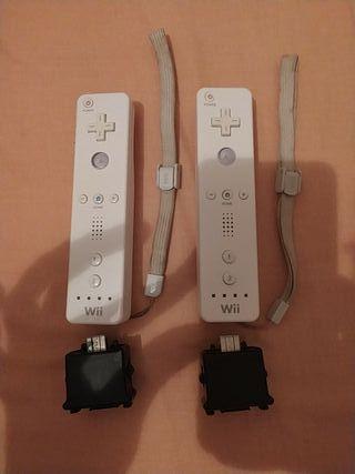 Vendo 2 Wiimotes y 2 MotionPlus