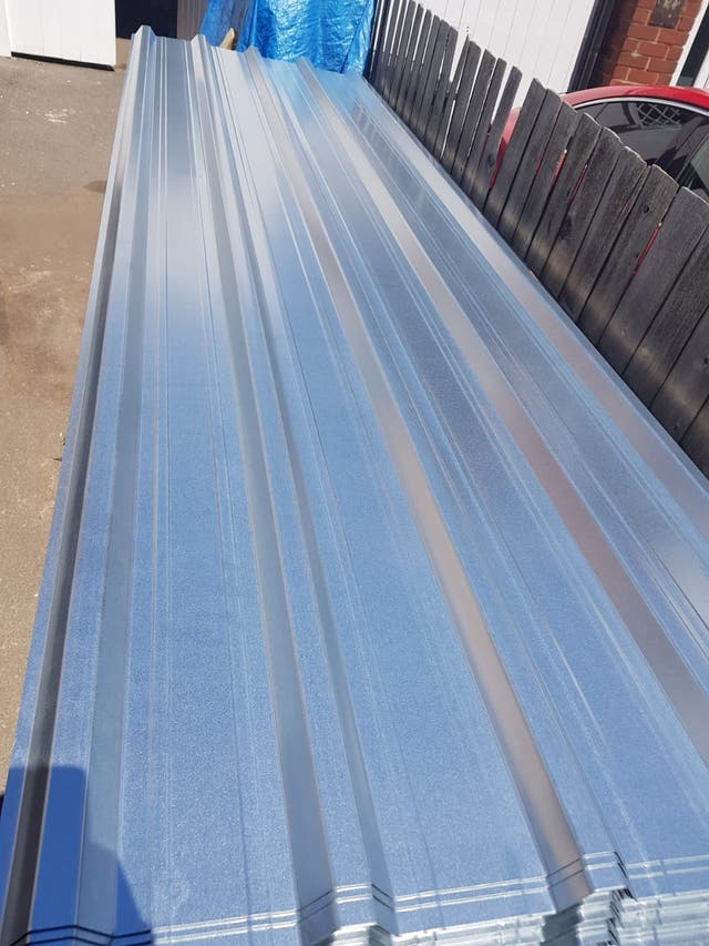20 metal roofing sheets £22 each