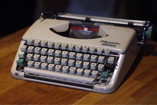 Máquina de escribir Olympia Spendid 66 años 60