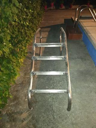 escalera de aluminio cuatro pasos