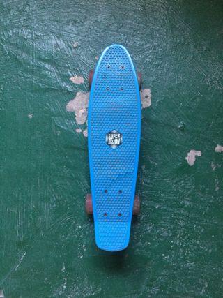 Peny o skate pequeño