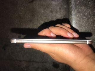 IPhone 7 32gb con funda y cargador y caja