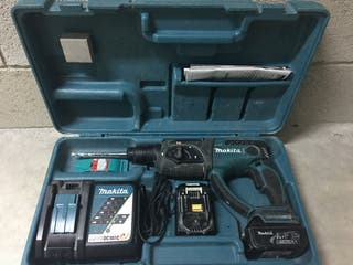 Taladro perforador MAKITA