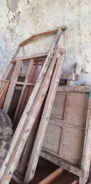 SE REGALA Muebles antiguos para leña