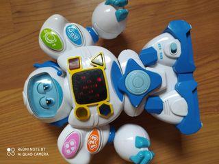 Robot y volante de juguete